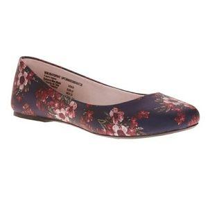 Shoes - Women's Classic Flats
